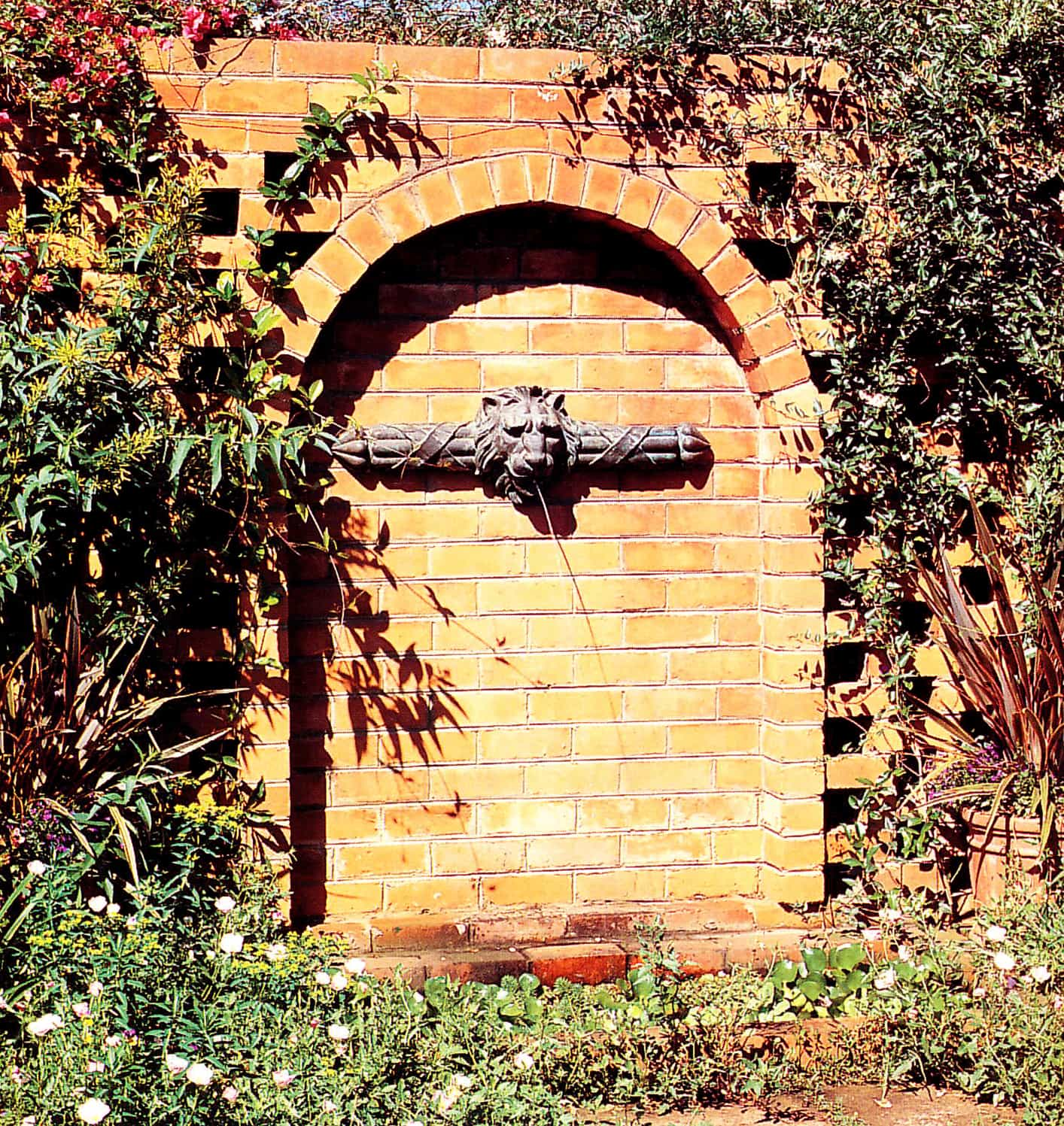 01 Wall Fountain - Fountains for Your Garden Pond