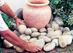 03 place pot on base connect 300x220 - Flowing Urn